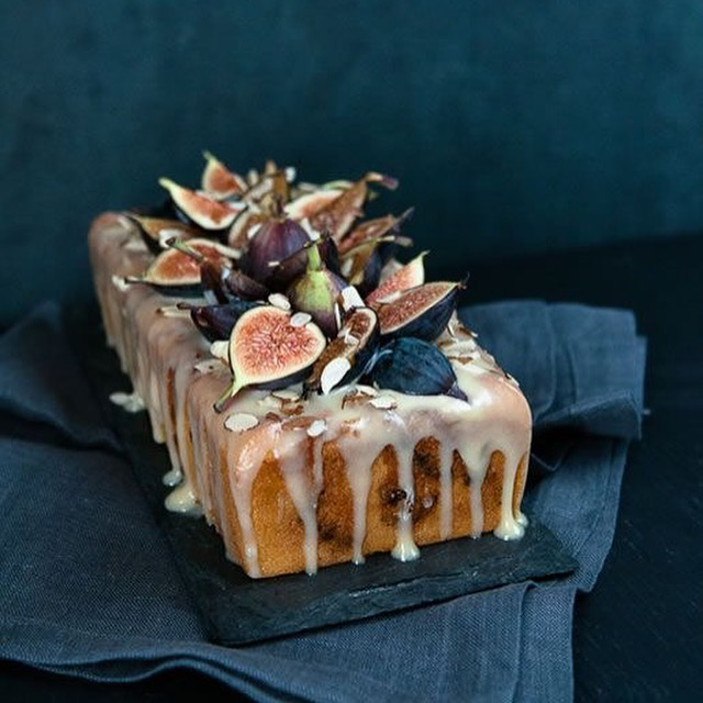 wonderful raw cake with figs
